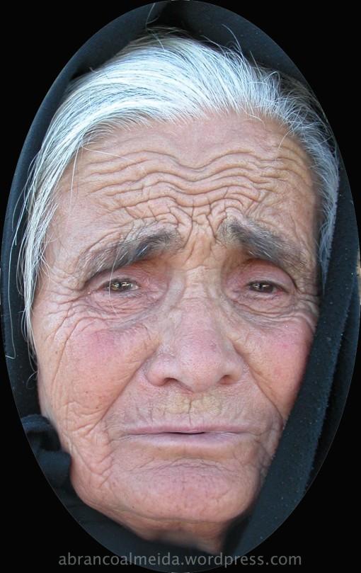 """enquanto captava a imagem, a tia Ana de Jesus dizia-me """"que fazes, meu, filho?"""""""