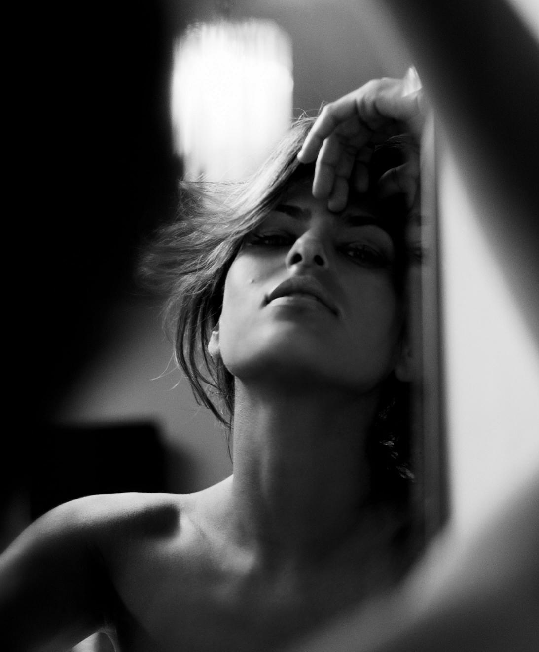 eva mendes black and white